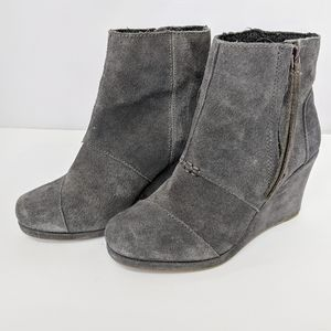 NEW Suede Tom's wedge booties women 6